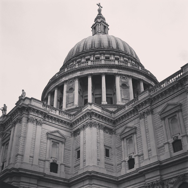 Coffee outside St Pauls....